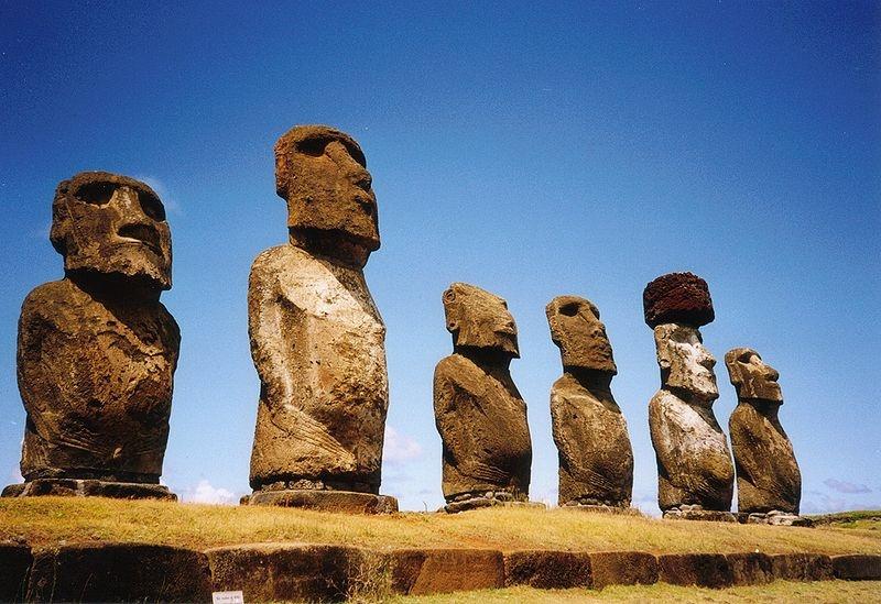 Статуи остров Пасхи